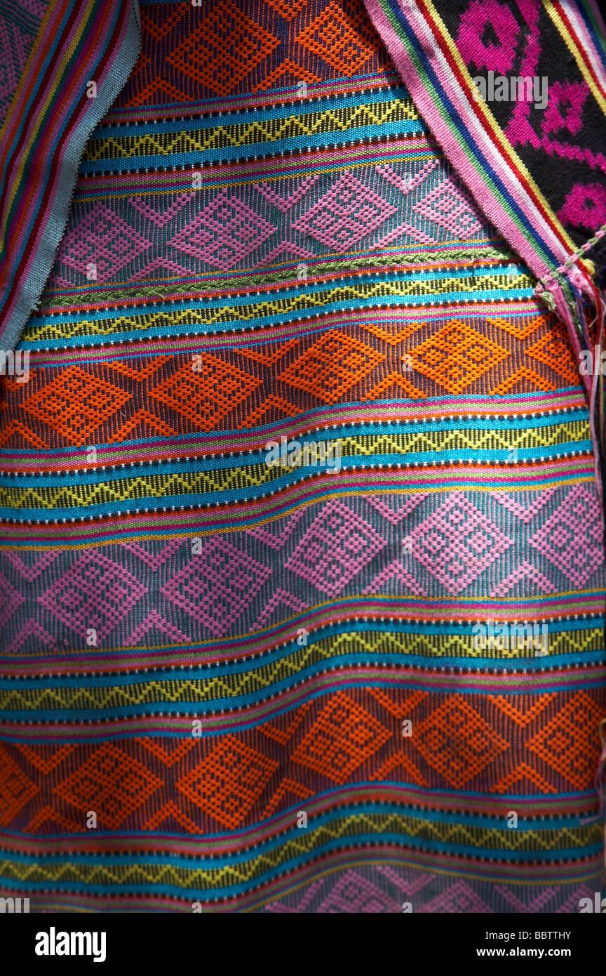 Painet jq4272 Timor Leste detalle tejer ikat oecussiambeno tradicionales del sur de Asia oriental se visten ropa de Arte Artesanía tradición Foto de stock