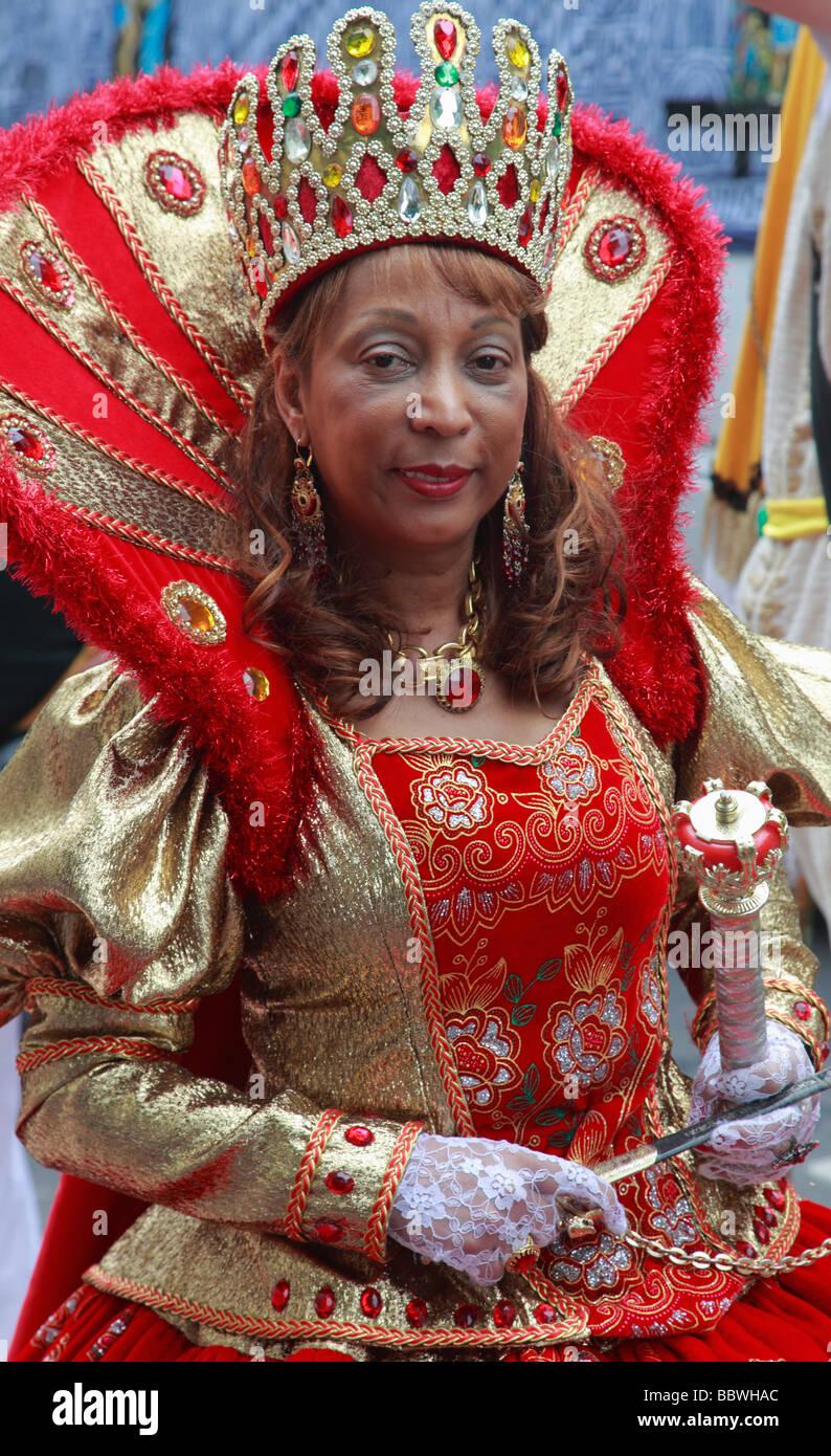 Carnaval de las Culturas de Berlín Alemania mujer en traje Imagen De Stock