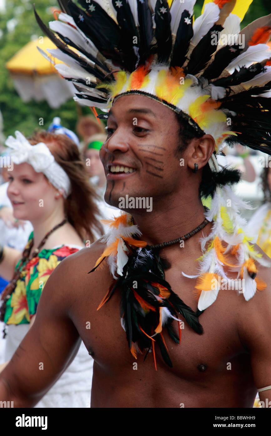 Carnaval de las Culturas de Berlín Alemania hombre brasileño Imagen De Stock