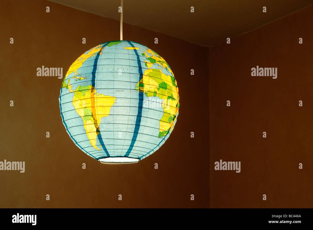 Lámpara de papel globo colgante sombra Imagen De Stock