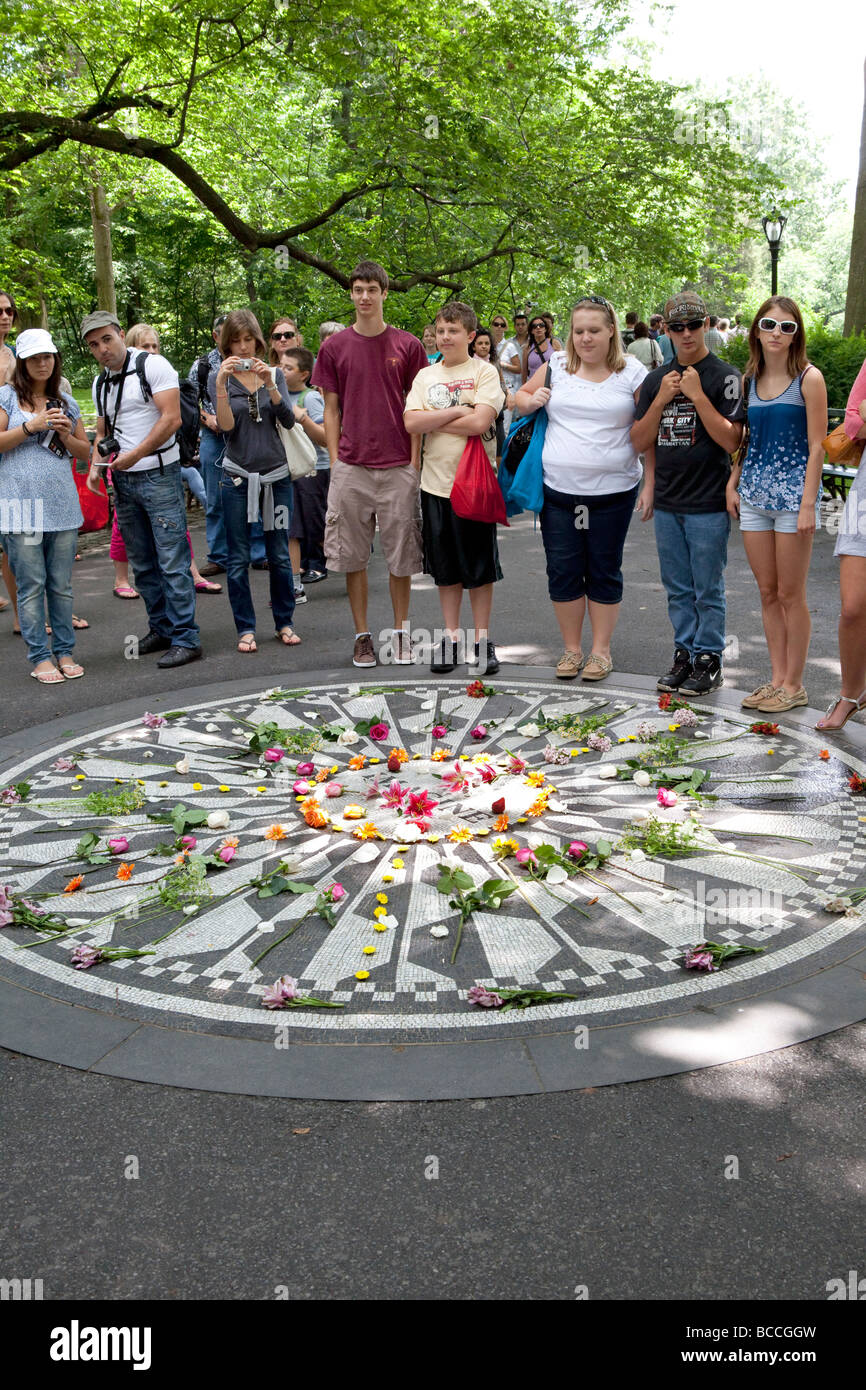 Imagine el Memorial de John Lennon Strawberry Fields de Central Park de Nueva York Imagen De Stock