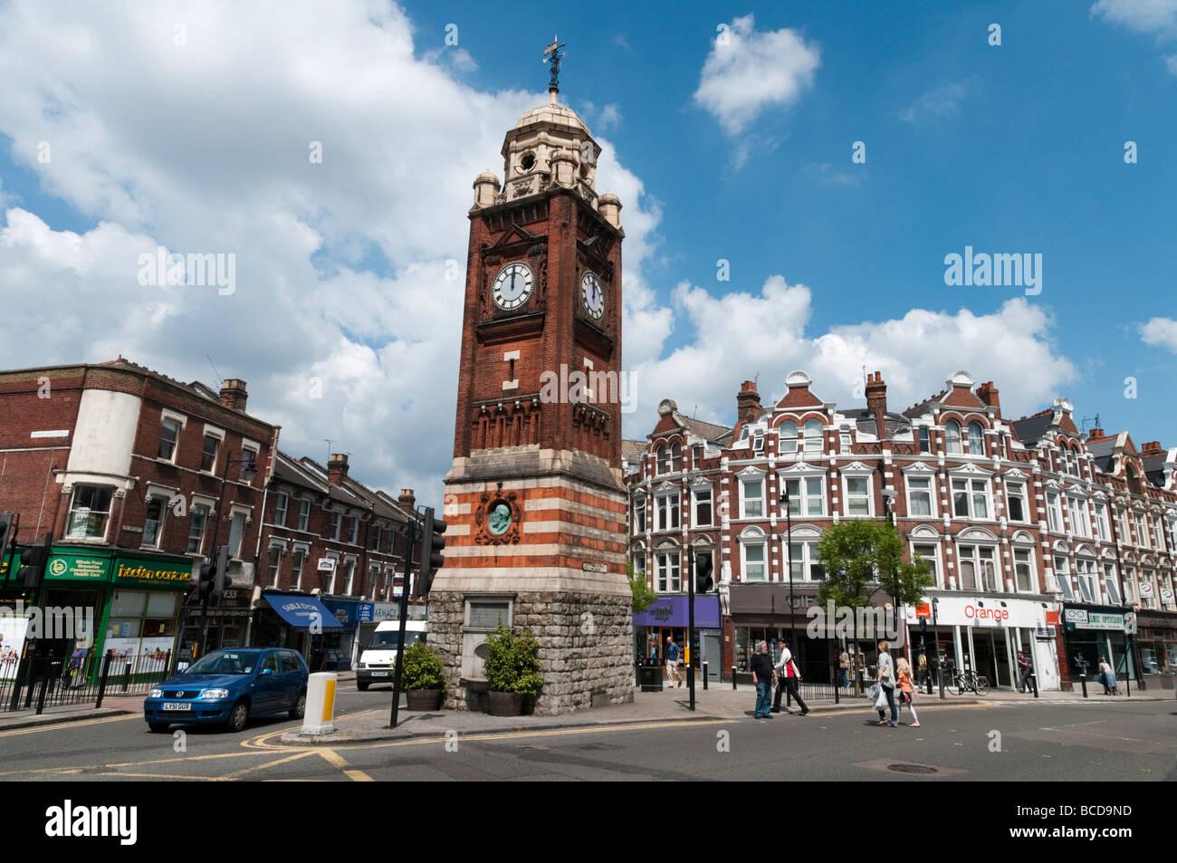 La torre del reloj en Crouch End, Londres Inglaterra Imagen De Stock