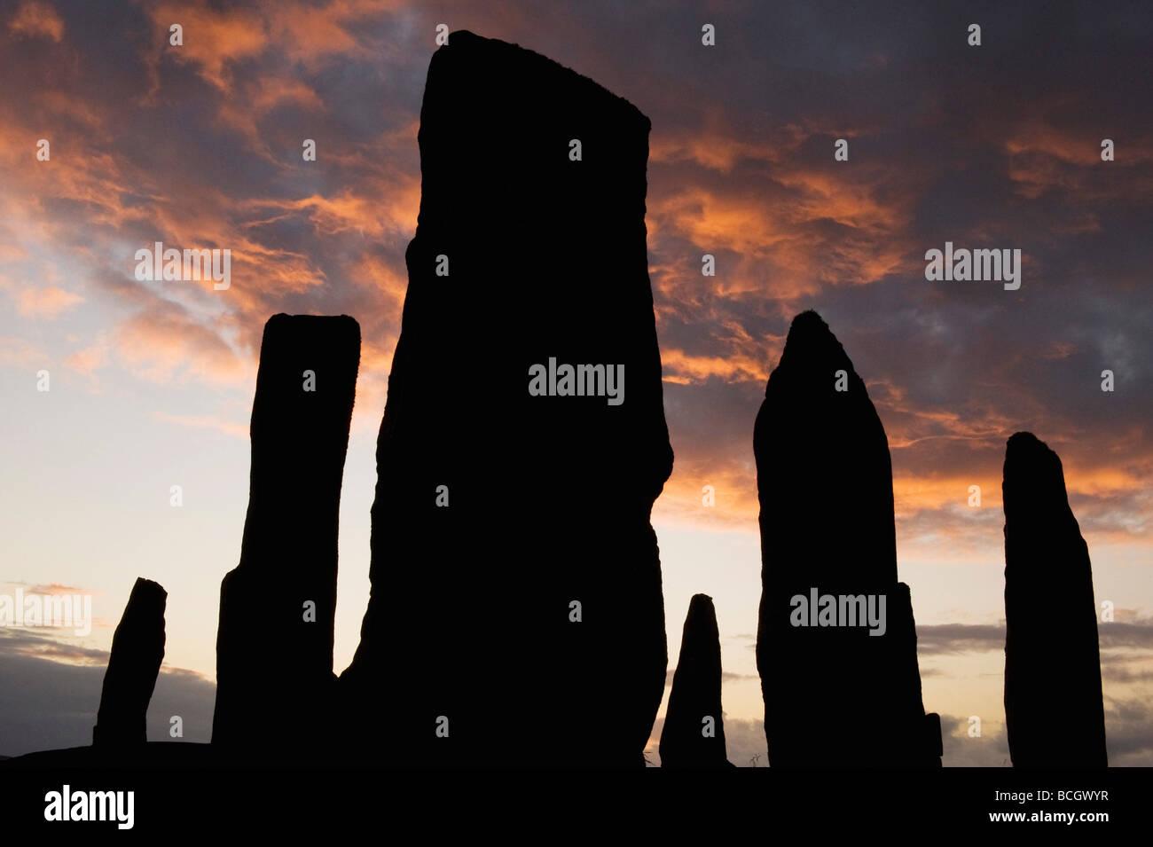 Callanish Stone Circle, el neolítico, Piedras, puesta de sol en el solsticio de verano, la isla de Lewis, Hébridas Exteriores, Escocia Foto de stock