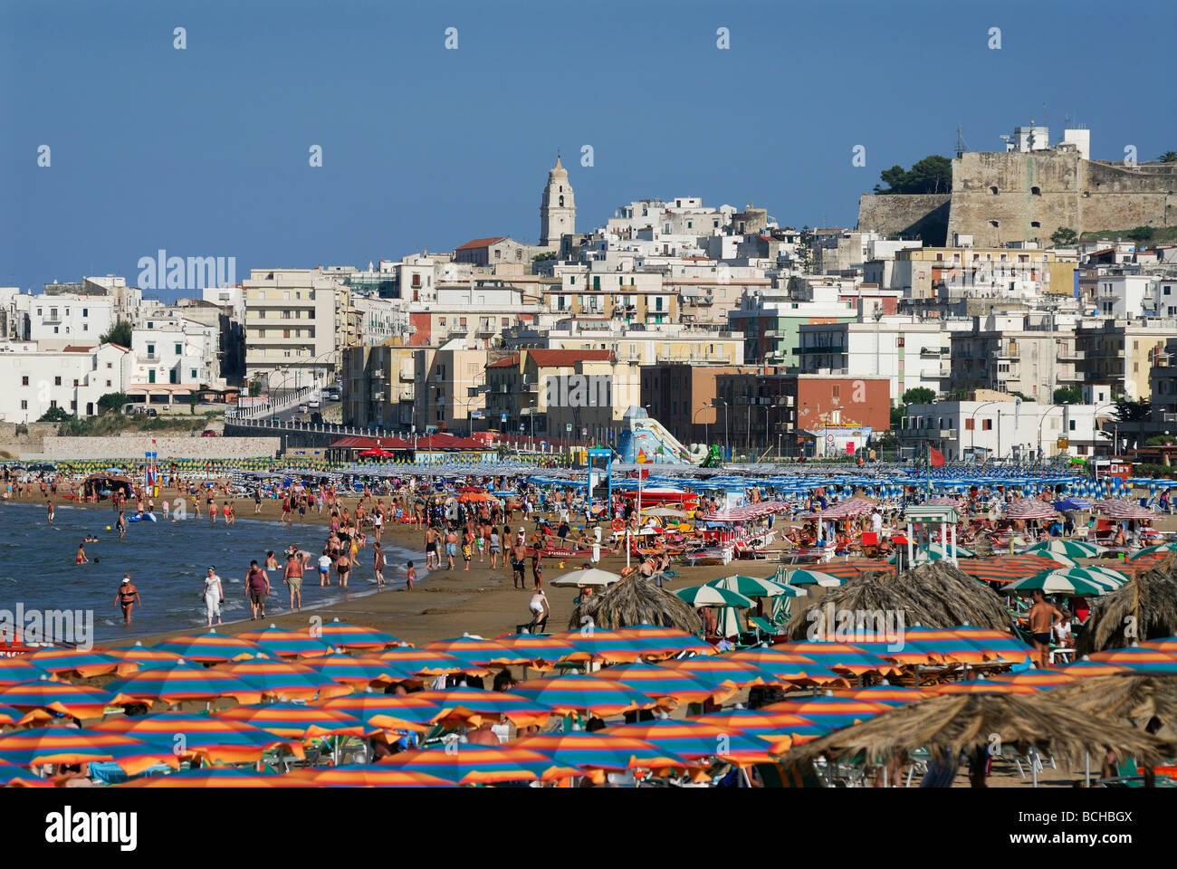 Vieste Apulia Italia Región de Gargano playas de arena de la ciudad de Vieste Imagen De Stock