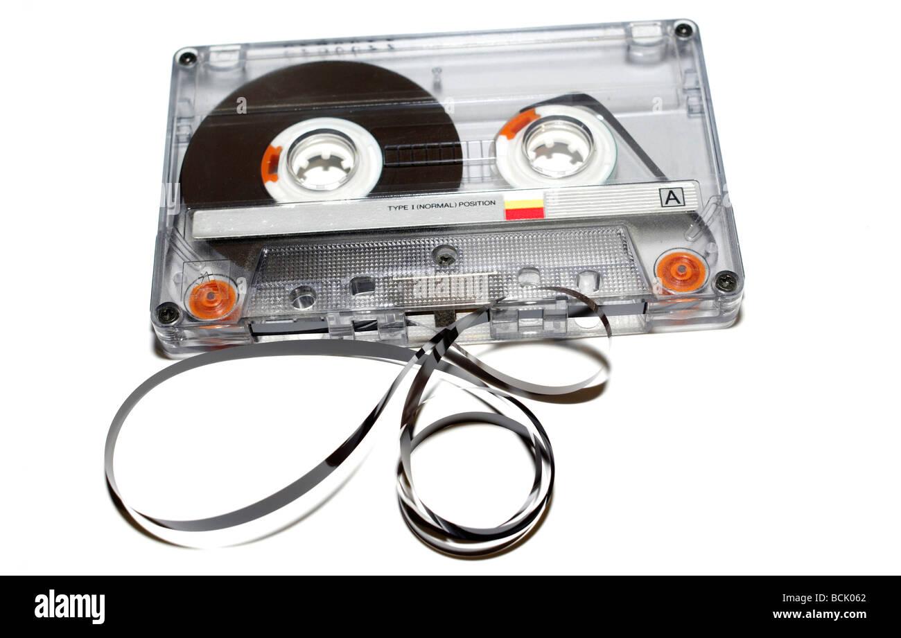 Viejas cintas de audio sobre fondo blanco. Imagen De Stock