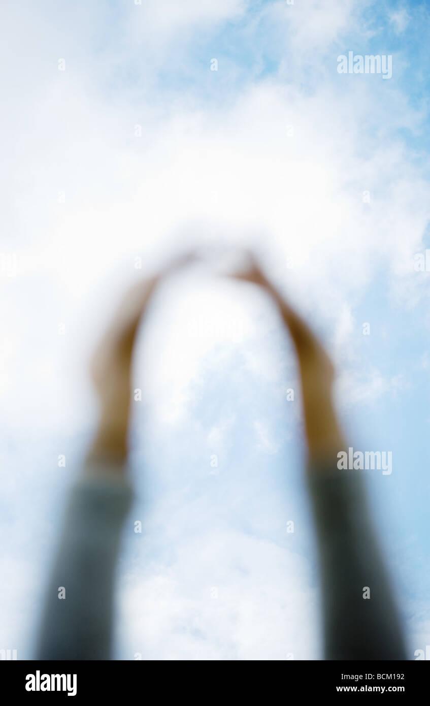Las armas lleguen para sky, centrarse en el cielo en el fondo Imagen De Stock