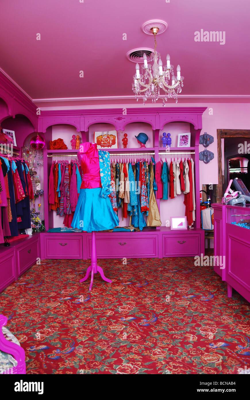 Shop Window Dresser Imágenes De Stock & Shop Window Dresser Fotos De ...