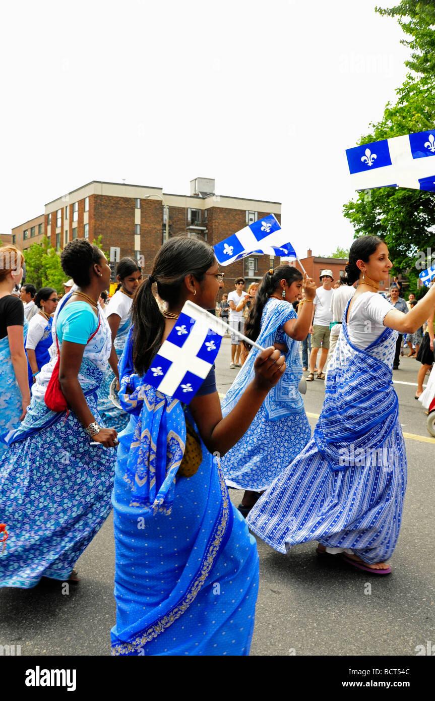 Las comunidades étnicas celebrando el día Saint Jean Baptiste de Montreal Imagen De Stock