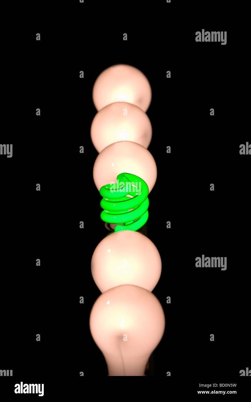 Las bombillas incandescentes y fluorescentes Imagen De Stock