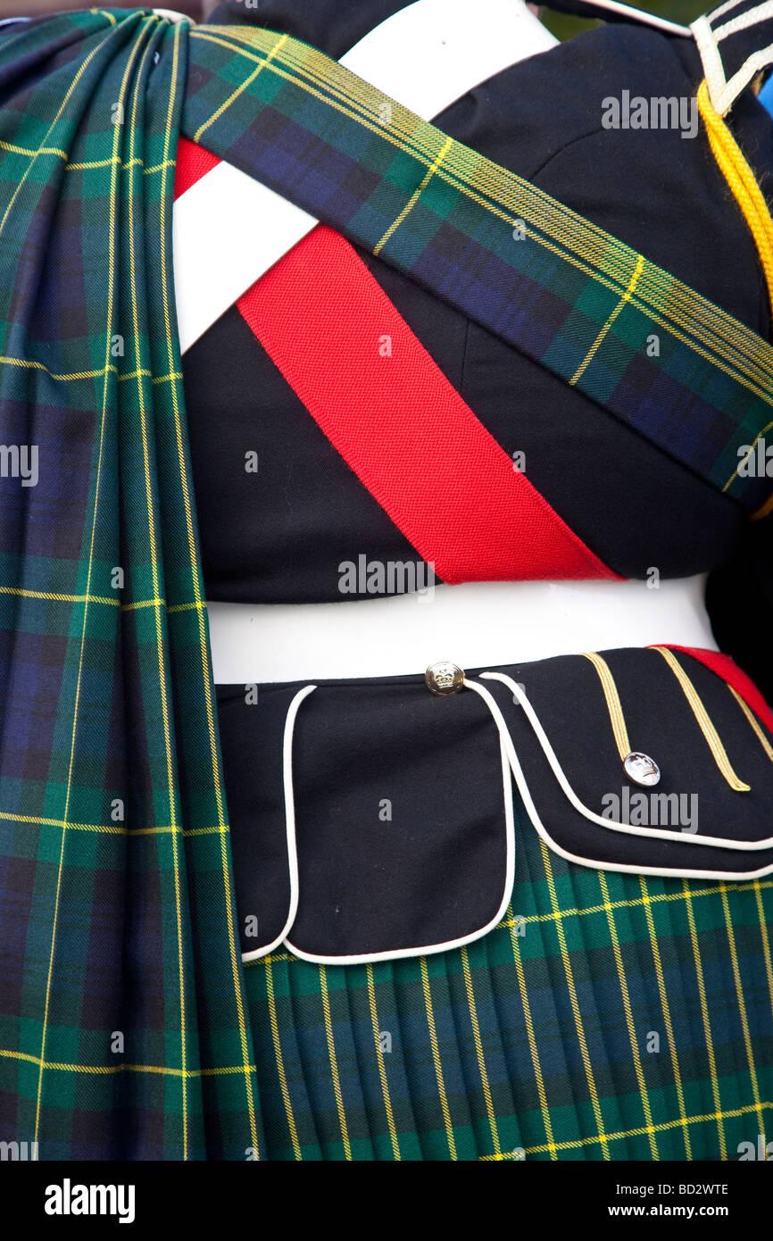 938240b3f73 Faldas De Tartán Imágenes De Stock   Faldas De Tartán Fotos De Stock ...