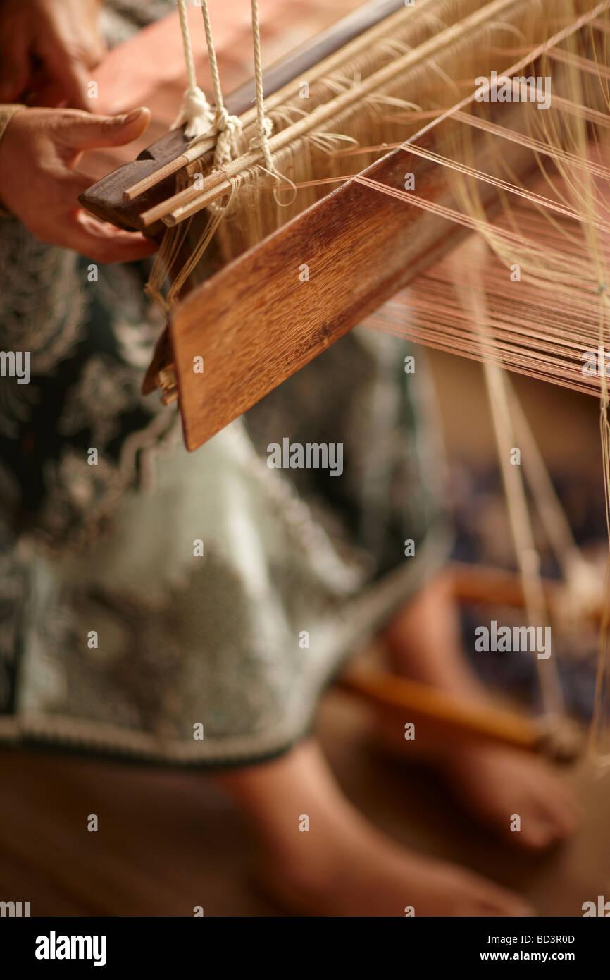 Tejido de seda en Luang Prabang, Laos Imagen De Stock
