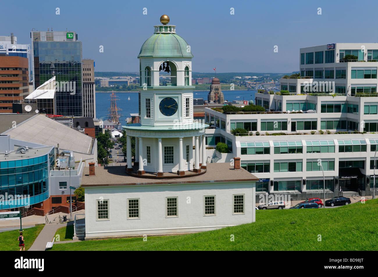Halifax la histórica arquitectura georgiana de la ciudad vieja y el puerto de reloj Nova Scotia de Canadá Imagen De Stock