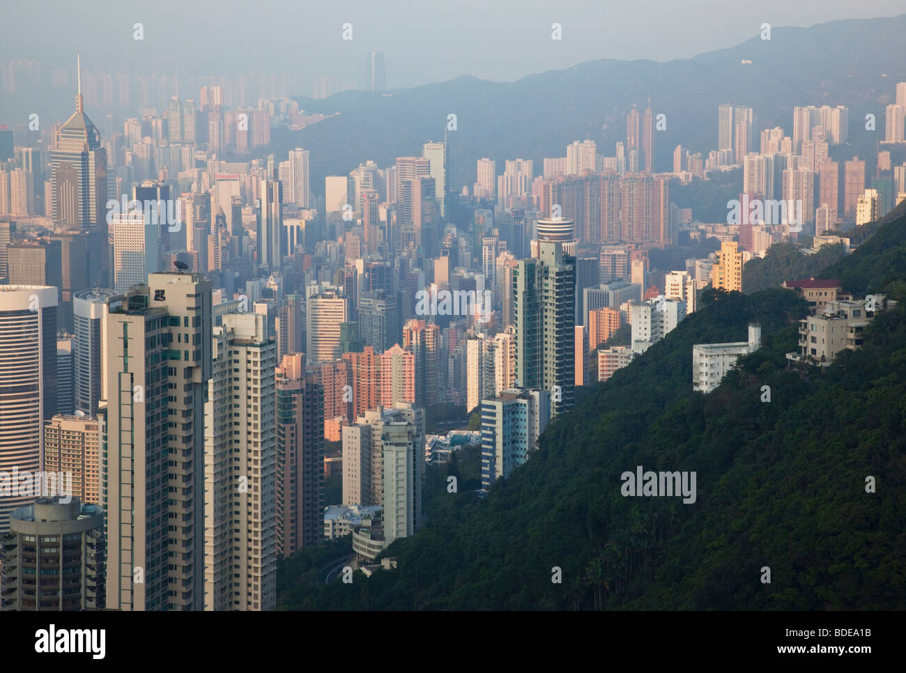 Vistas desde la cima, Shan Teng, Hong Kong, China. Imagen De Stock