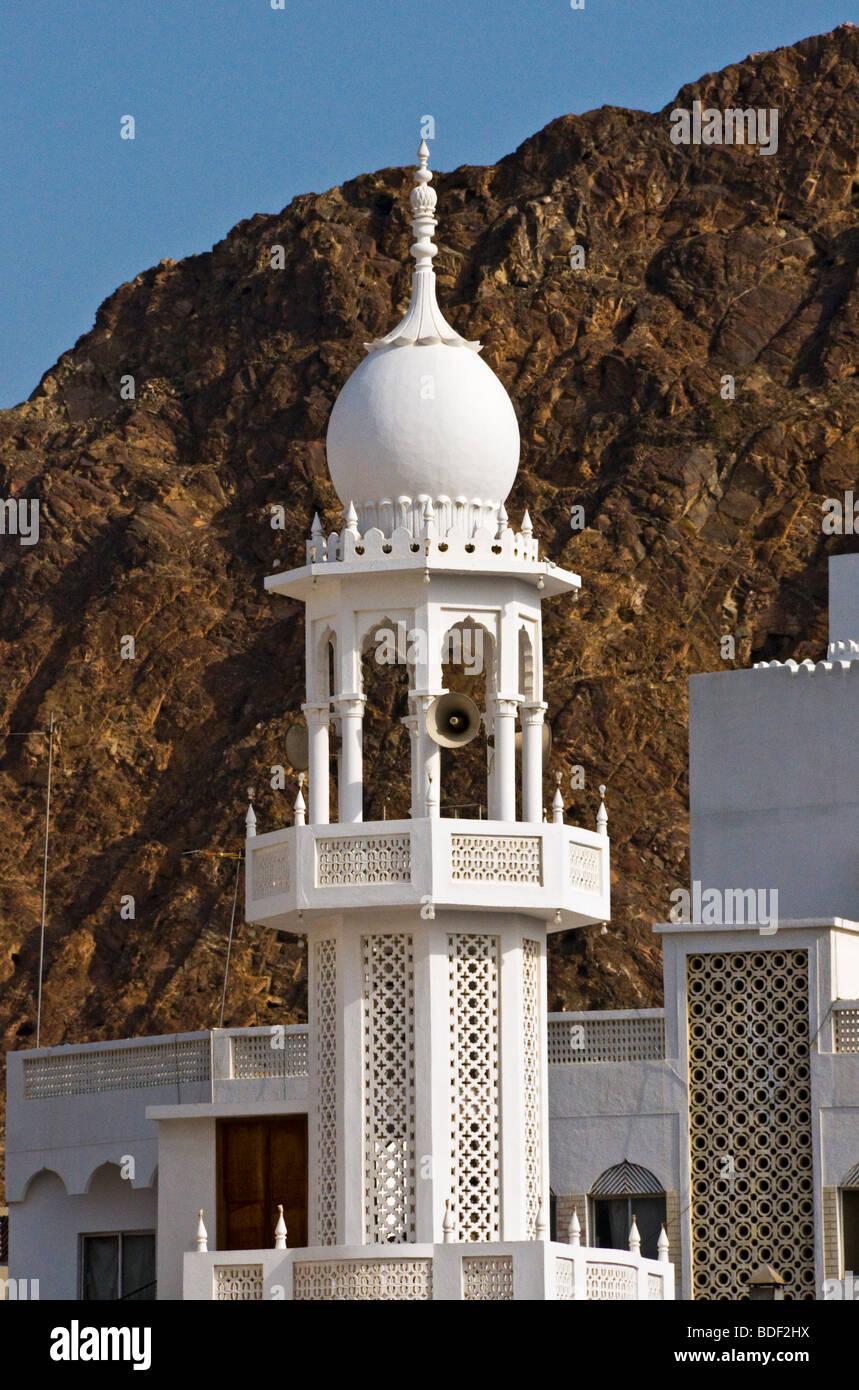 Alminar de la mezquita Mutrah Sultante de Omán Foto de stock