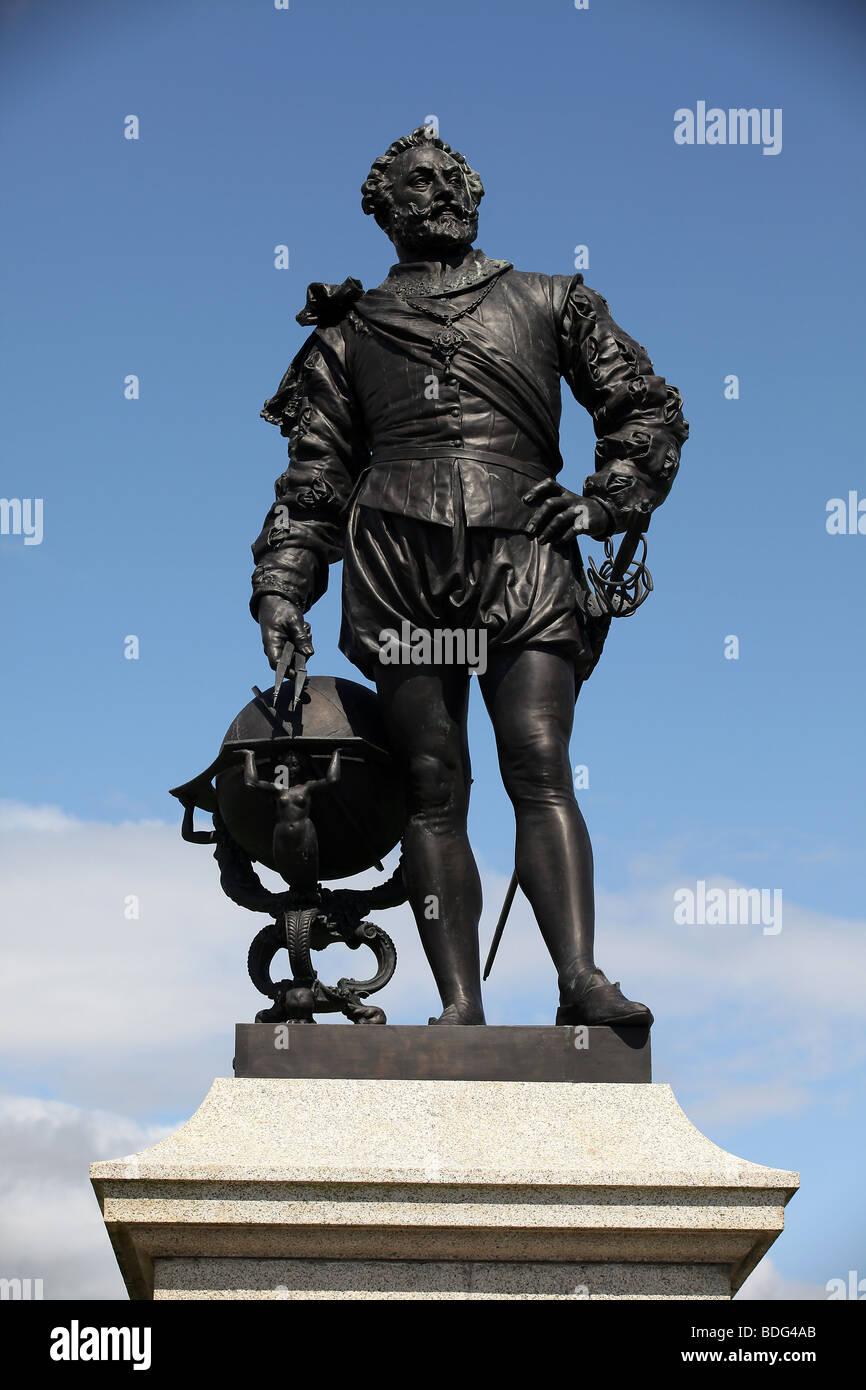 """Resultado de imagen de """"Estatua de Drake en Plymouth"""""""