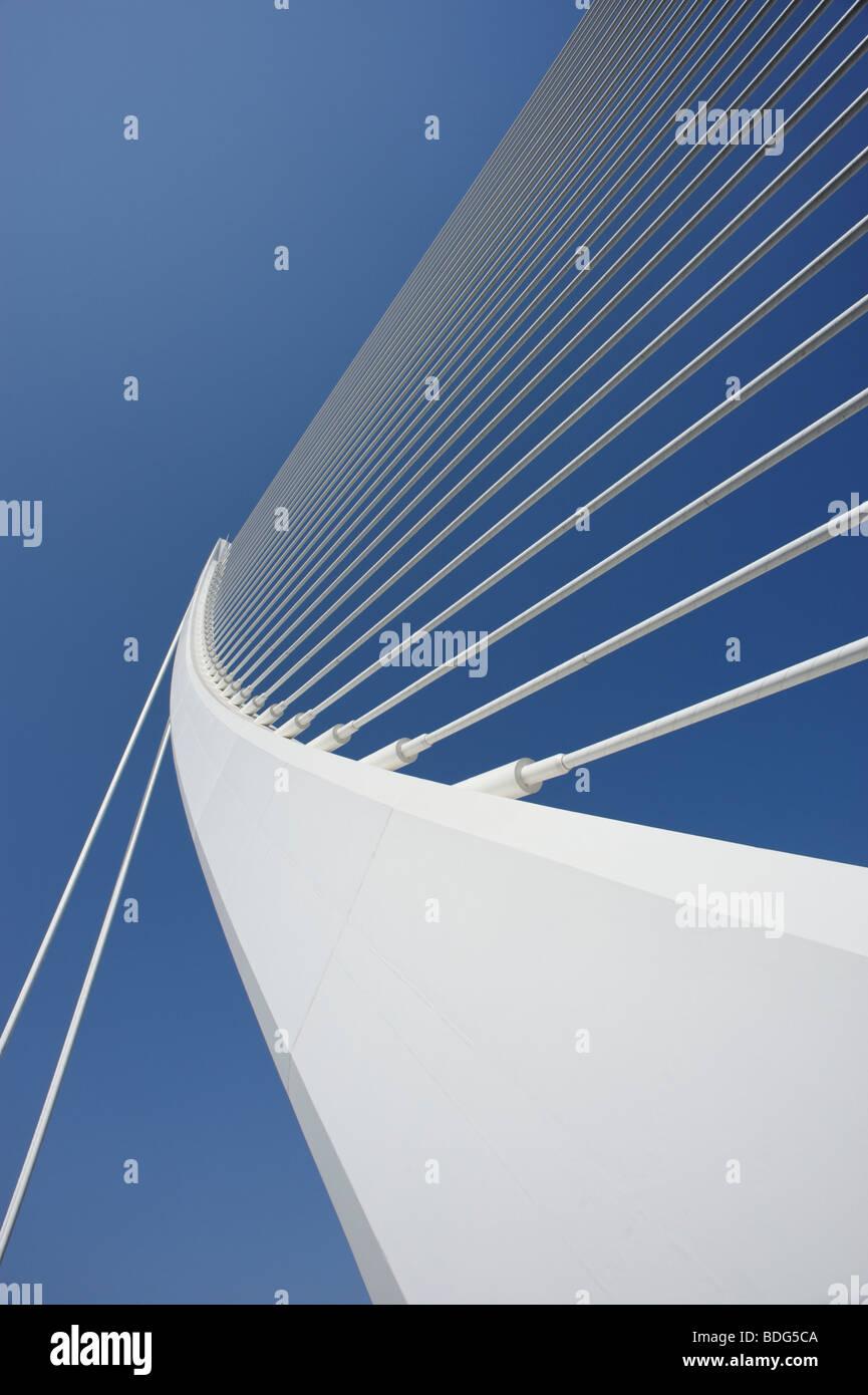 Detalle de Assut d'Or bridge (Puente de Serreria aka) en Valencia, diseñada por el arquitecto Santiago Imagen De Stock
