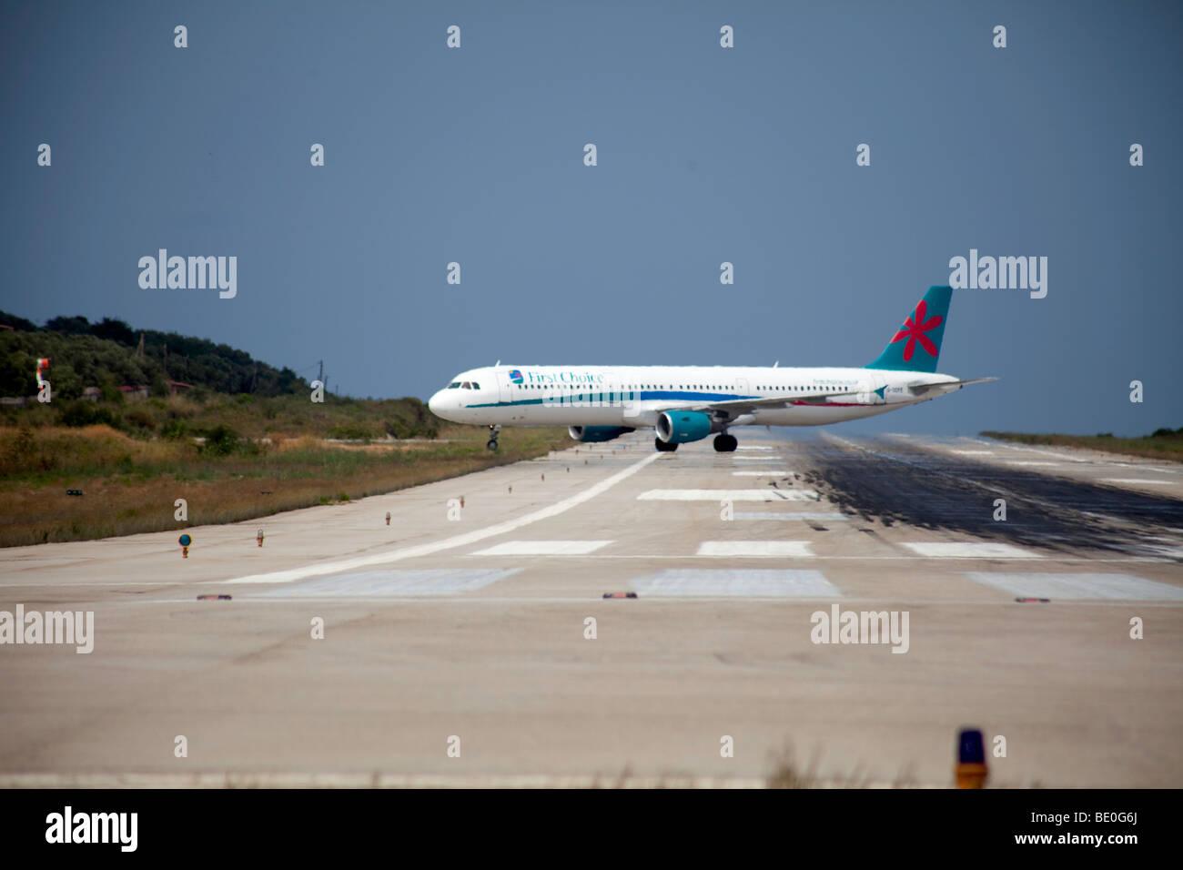 Evasión de avión,en el aeropuerto de Skiathos, Grecia Imagen De Stock