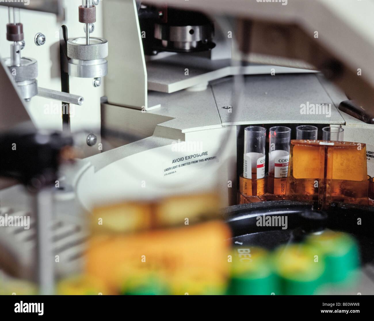 Las pruebas sanguíneas equipos médicos Imagen De Stock