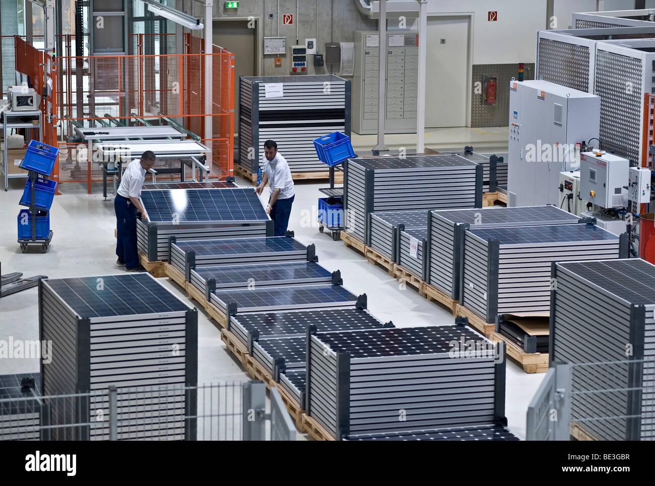 El almacenamiento, la producción de módulos solares en SOLON SE, Berlin-Adlershof, Alemania, Europa Imagen De Stock