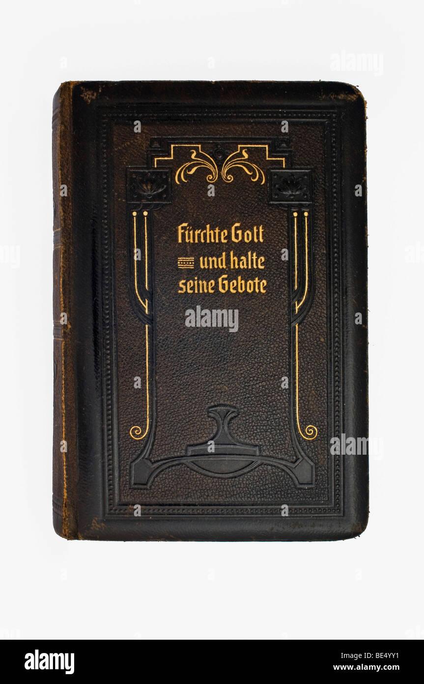 Antiguo libro de oraciones con cubierta de cuero, halte Fuerchte Gott und seine Gebote, Alemán por temor a Imagen De Stock