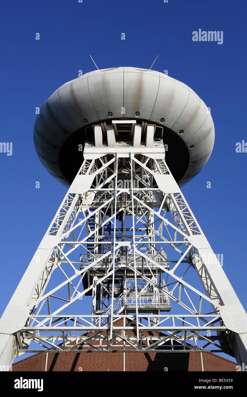 Torre, Colani Luentec-Eje de huevo en una torre en el centro juvenil de tecnología Technologiezentrum technology Imagen De Stock