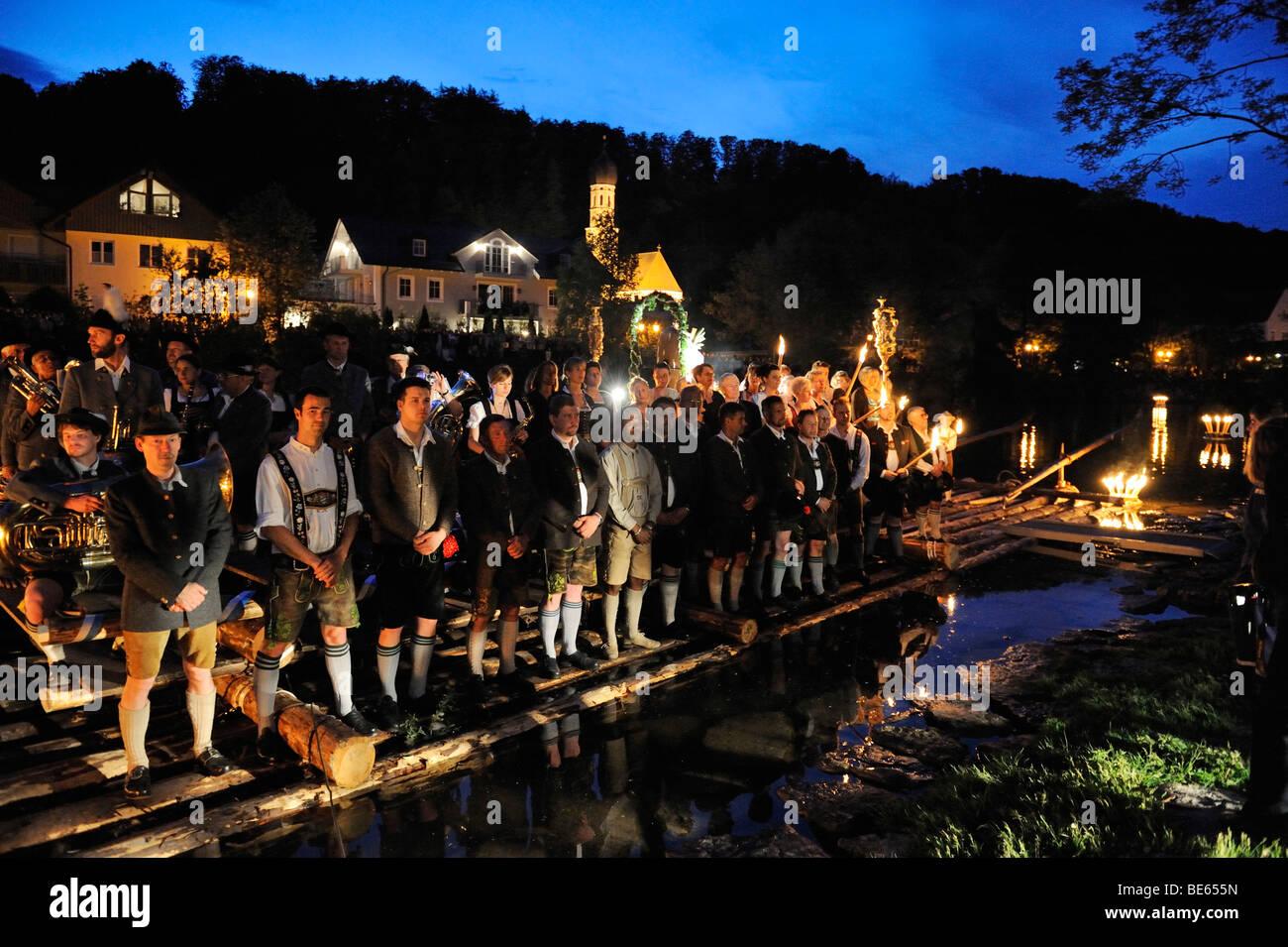 Todas las noches y únicos Johanni-RAFT-procesión en el día de San Juan Nepomuceno; cada tres años Imagen De Stock