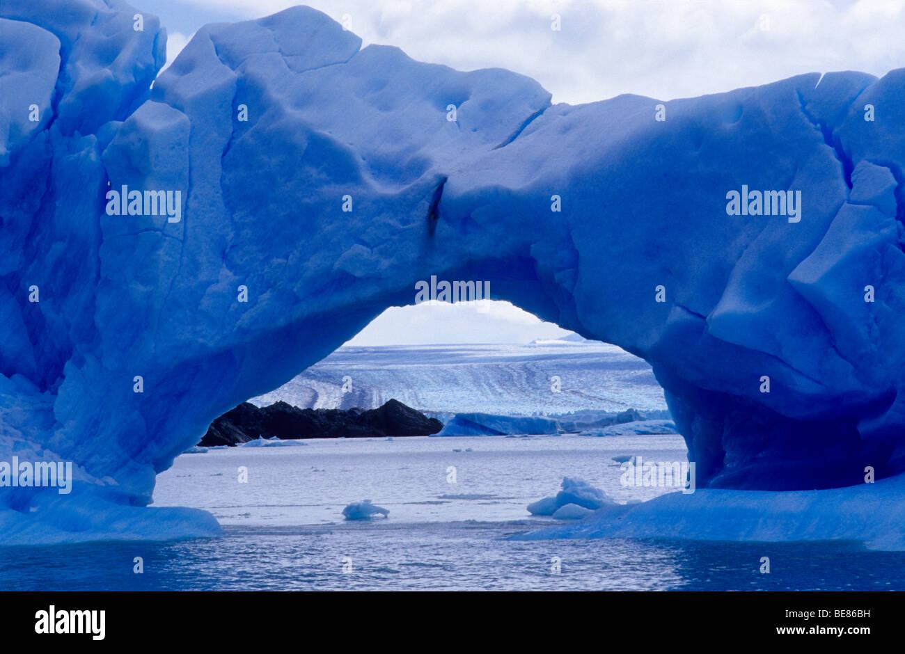 Los icebergs cerca del glaciar Upsala. Lago Argentino. Parque Nacional Los Glaciares. La provincia de Santa Cruz. Imagen De Stock