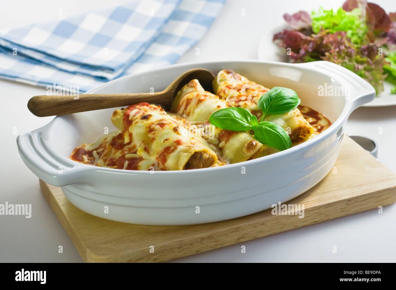 Canelones Comida Italiana Italia Imagen De Stock
