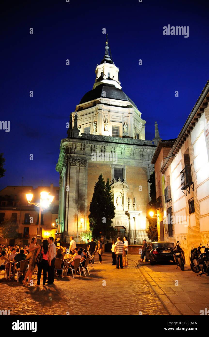 Iglesia de San Andrés, en la Plaza de San Andrés, Madrid, España, Península Ibérica, Europa Imagen De Stock