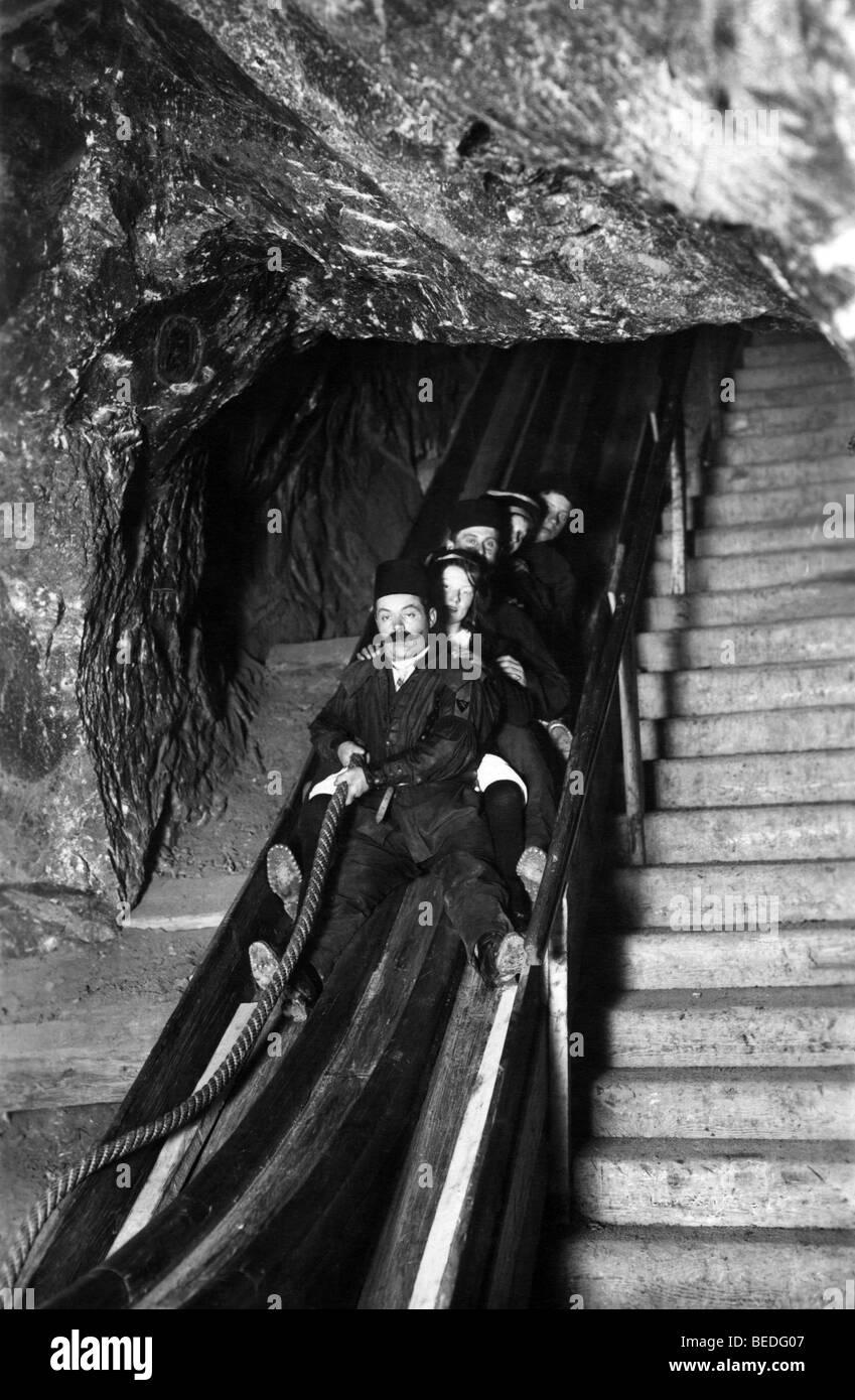 Fotografía Histórica, un viaje a una mina, alrededor de 1925 Imagen De Stock
