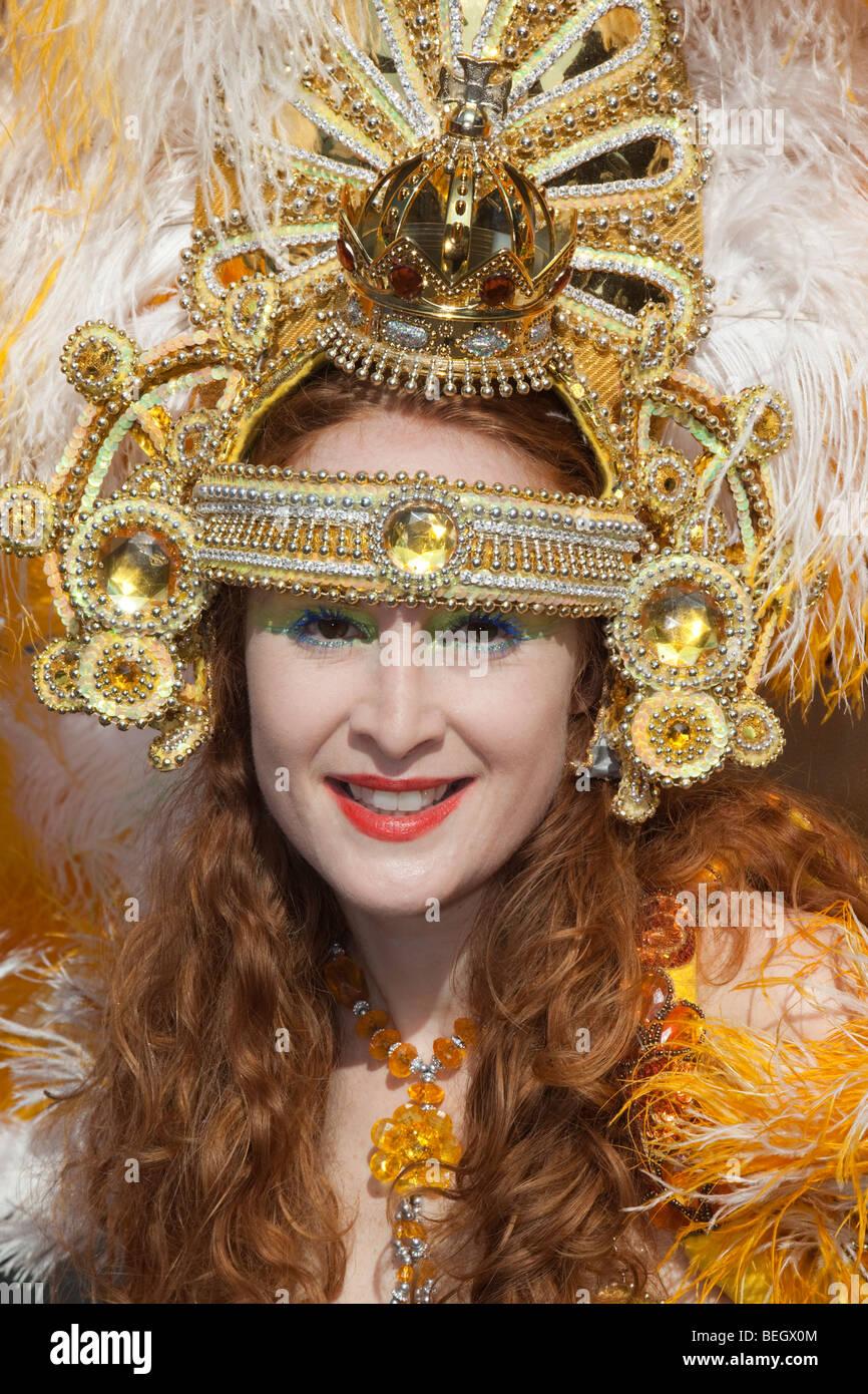 Paraíso de la Escuela de Samba en Hackney celebraciones de carnaval y desfile en Londres. Imagen De Stock