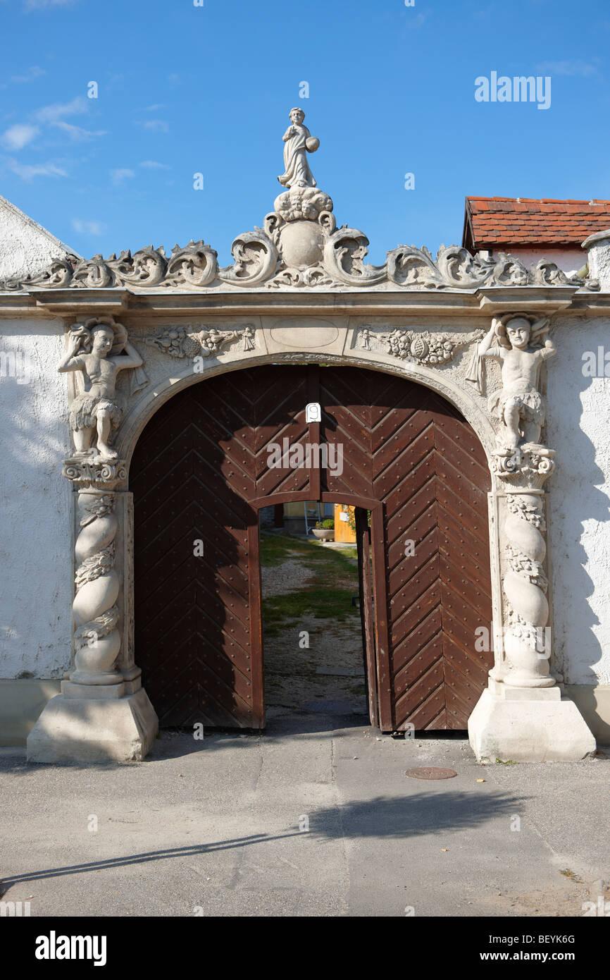 Los dos moros House (K t m r h z). Arquitectura barroco rústico - Sopron, Hungría Imagen De Stock