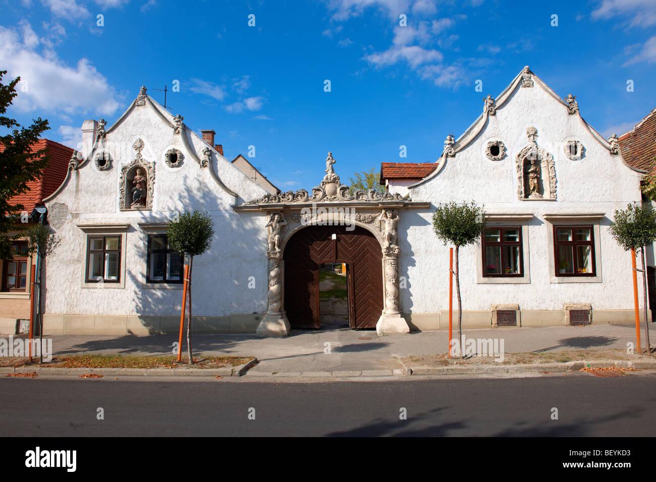 Los dos moros Casa. Arquitectura barroco rústico - Sopron, Hungría Imagen De Stock