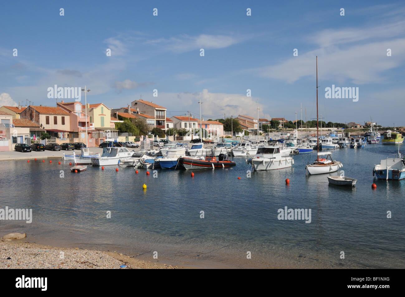 Carro, un pequeño pueblo de pescadores cerca de Marsella en Bouches du Rhone región en el sur de Francia. Imagen De Stock