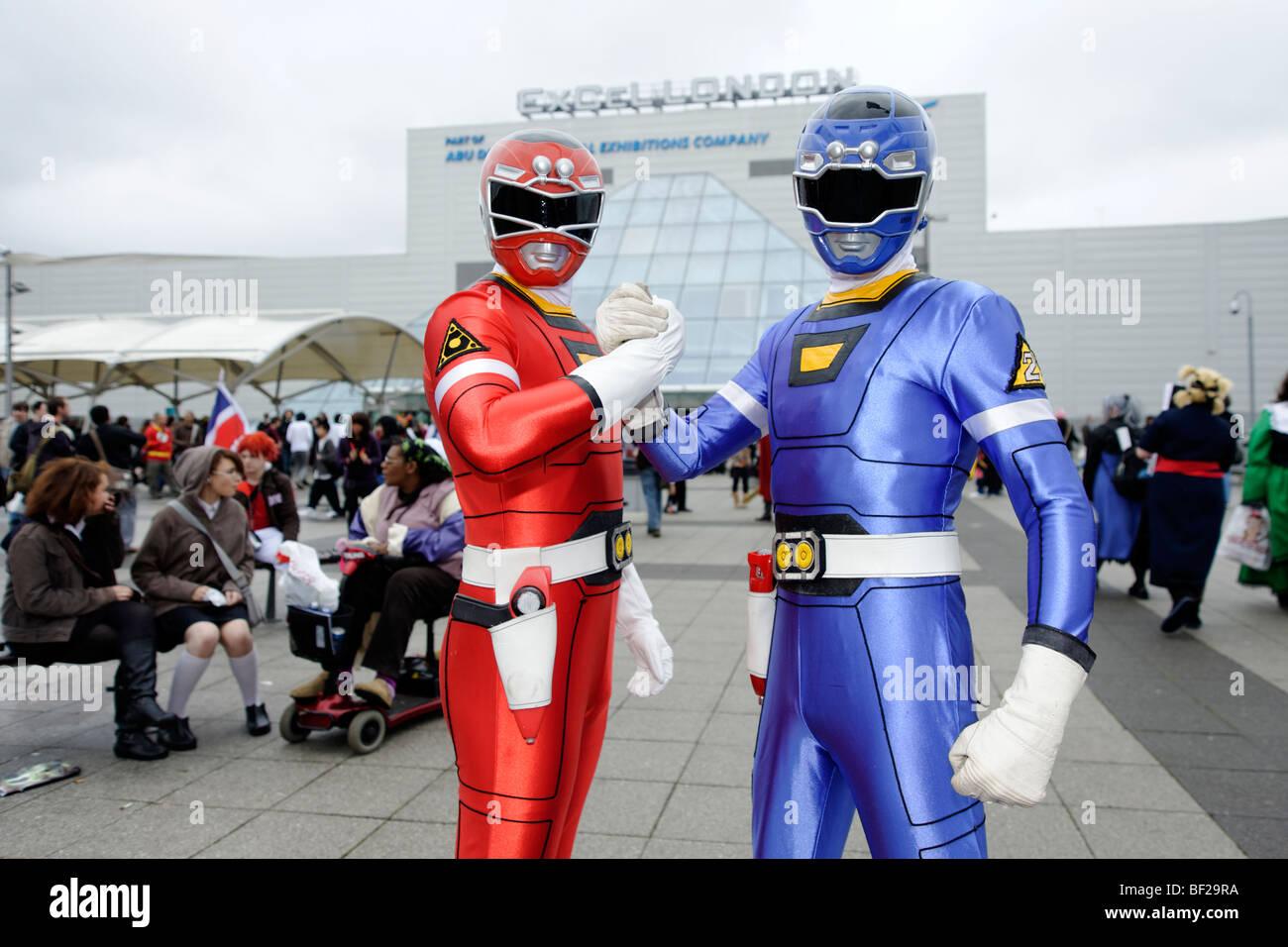 Fans vestidos como su traje favorito de los personajes de historietas, animaciones y juegos de video. Londres MCM Imagen De Stock