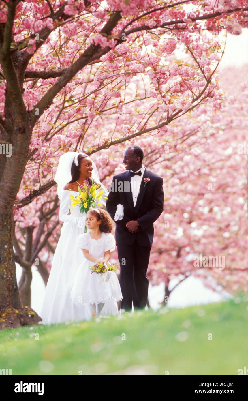 Tuxedo Wedding Imágenes De Stock & Tuxedo Wedding Fotos De Stock - Alamy