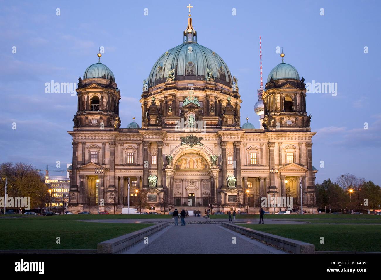 La Catedral de Berlín y Lustgarten, Berlín, Alemania Imagen De Stock