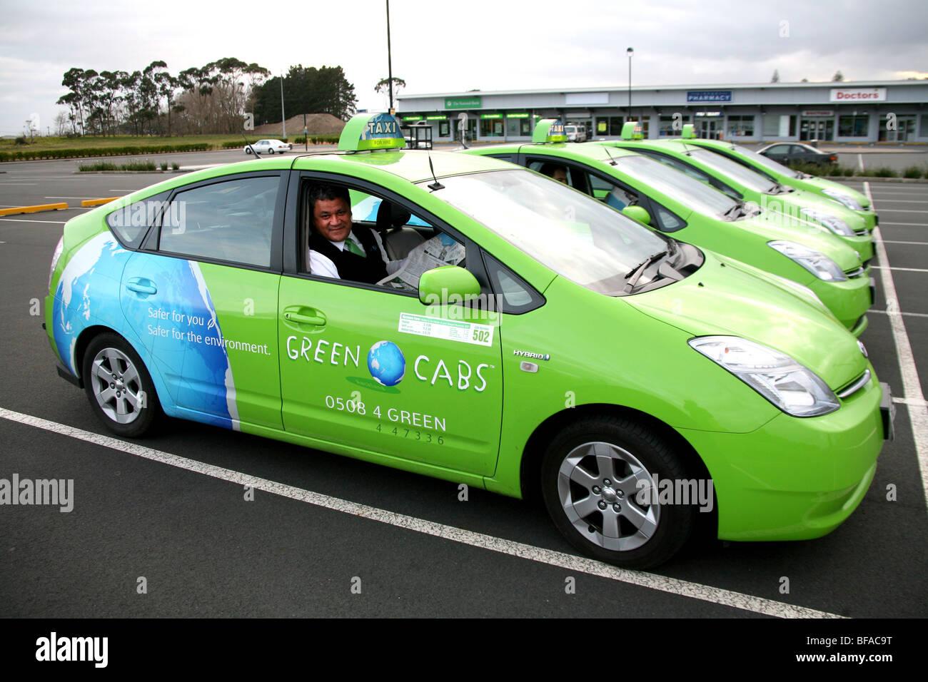 Una flota de 100 Toyota Prius híbrido eléctrico Cabs en Auckland, Nueva Zelanda Imagen De Stock