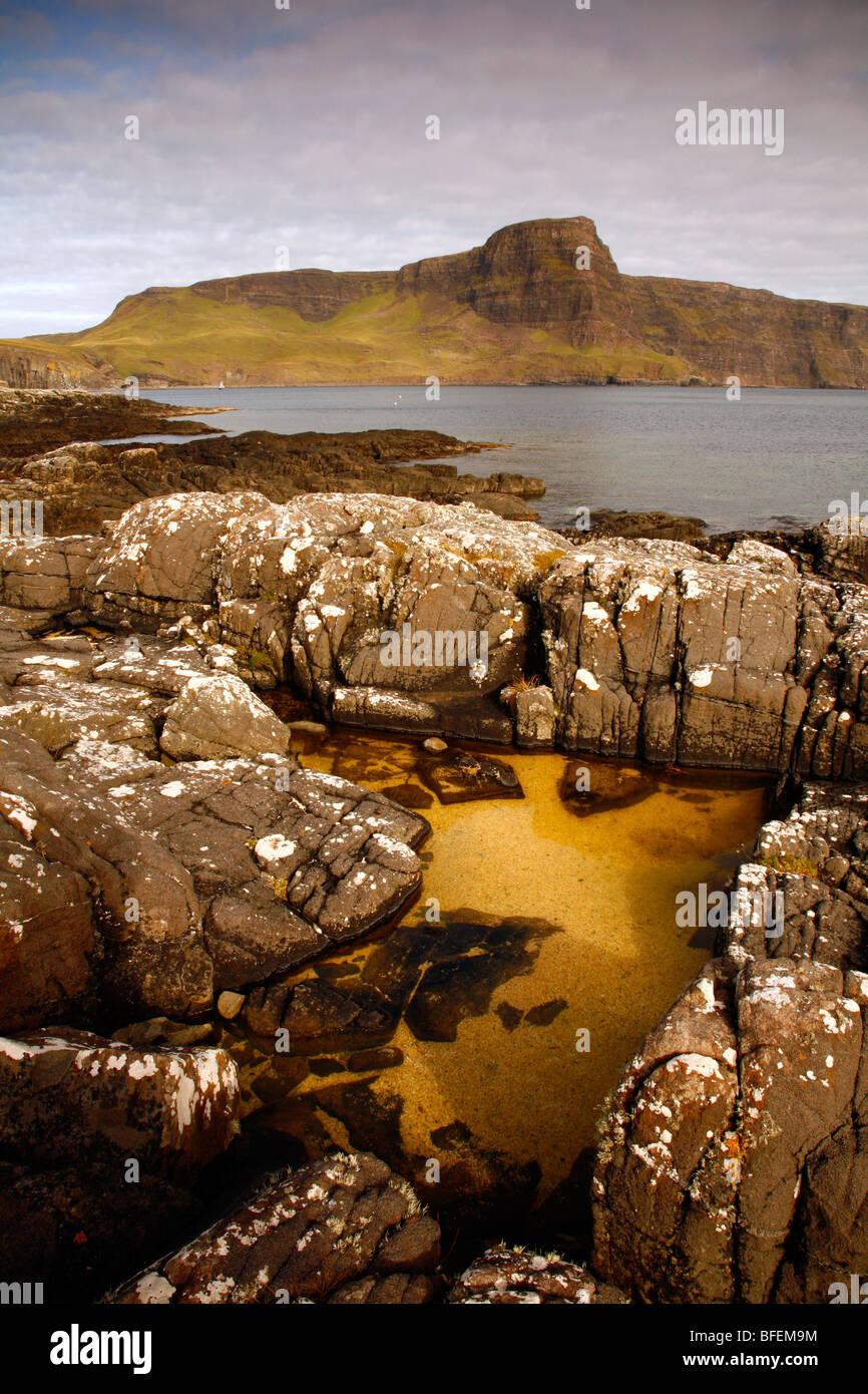 Neist point y waterstein head,moonen bay, Isla de Skye,Sierra,inner hebrides,Escocia, Reino Unido. Foto de stock