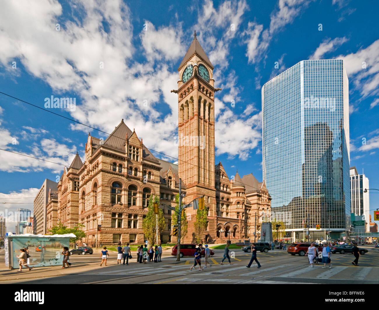 Ayuntamiento Viejo, en la esquina de Queen Street West & Bay Street, Toronto, Ontario, Canadá, Norteamérica Imagen De Stock
