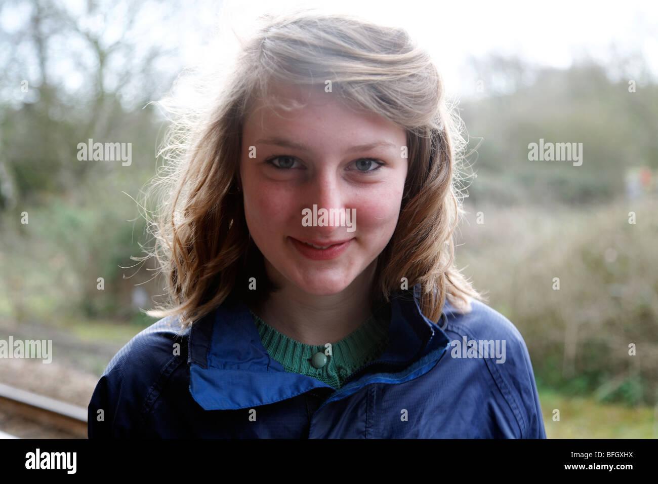 Retrato de una adolescente de quince años Imagen De Stock