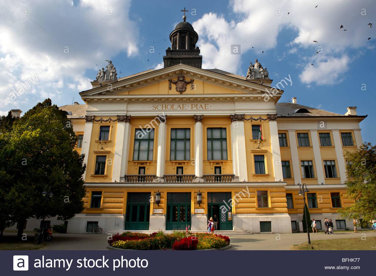 Una escuela Neo Clásica- Kecskemet , Hungría Imagen De Stock