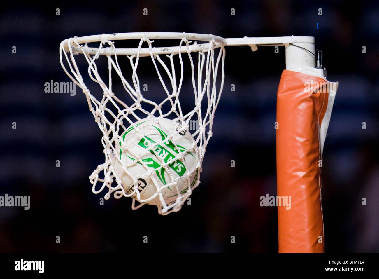 Netball en aro Imagen De Stock