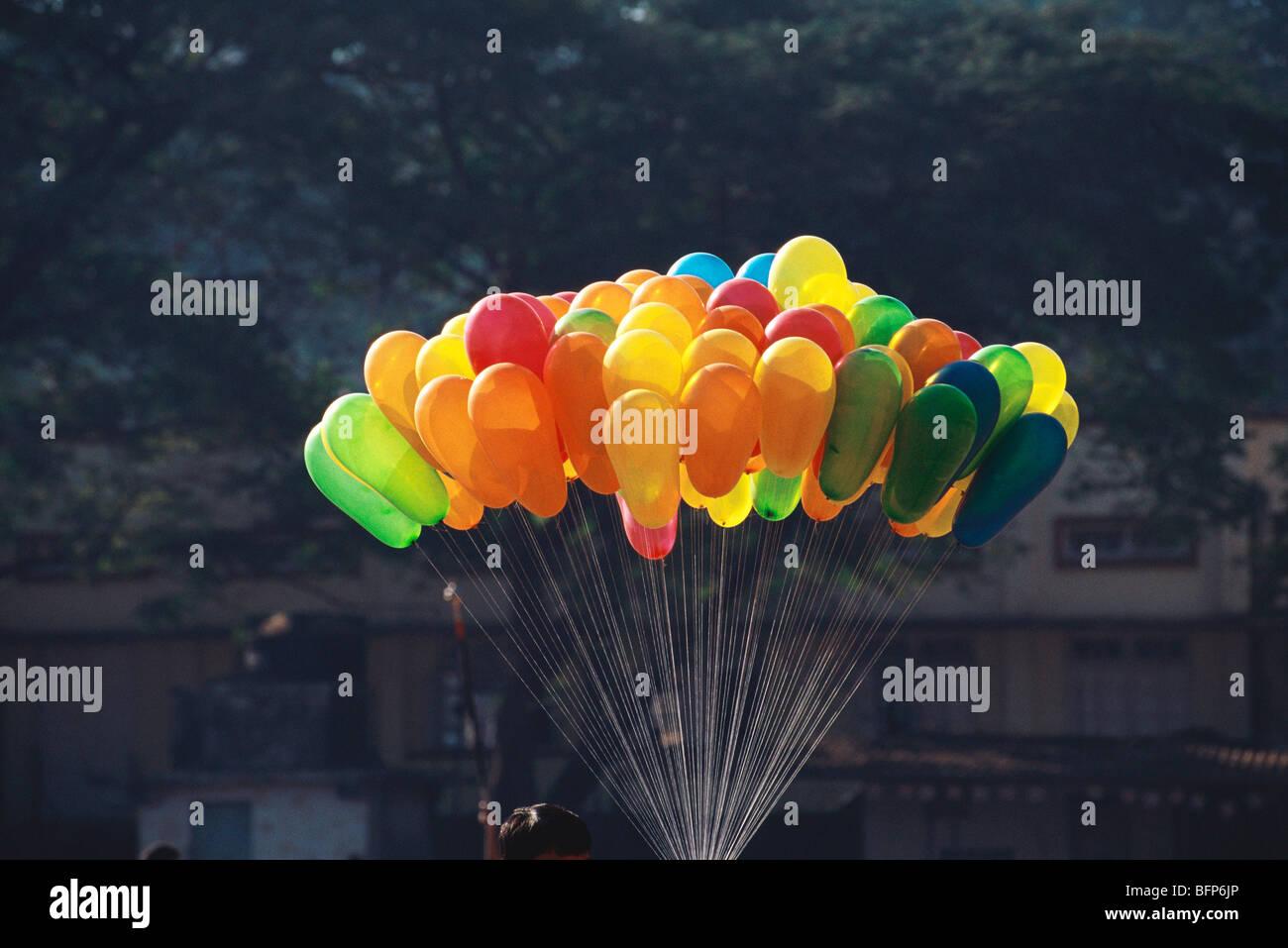 NGS 66303 : globos de colores bunch ; India Imagen De Stock