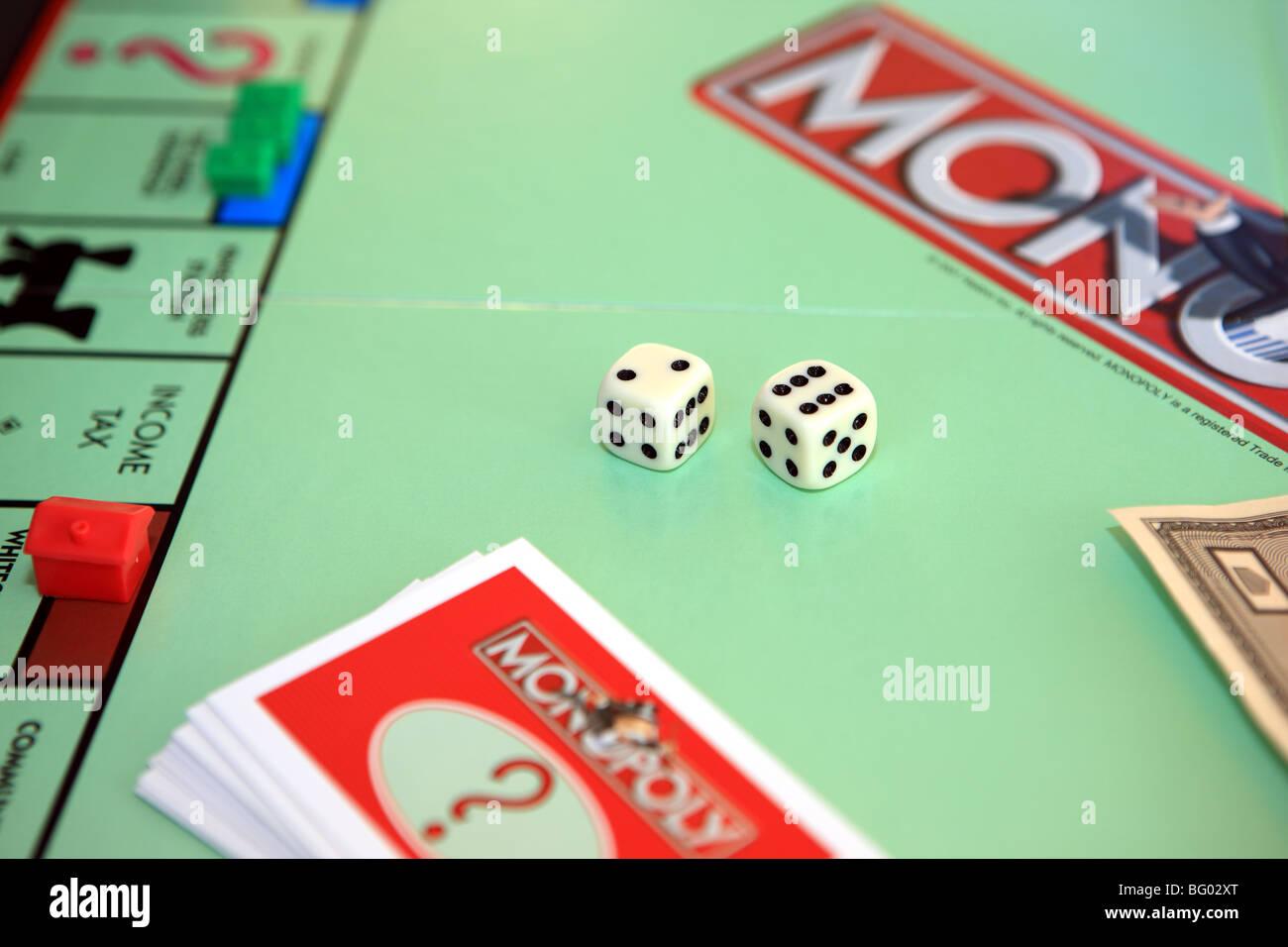 Monopoly Game Imagenes De Stock Monopoly Game Fotos De Stock Alamy