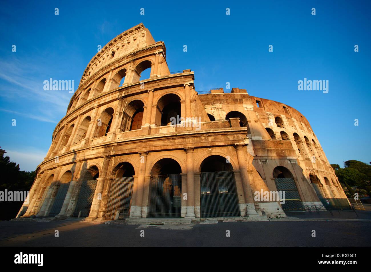El Coliseo (Colosseo) . Roma Imagen De Stock