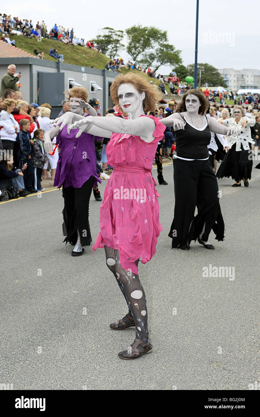 Women Zombies Imágenes De Stock & Women Zombies Fotos De Stock - Alamy