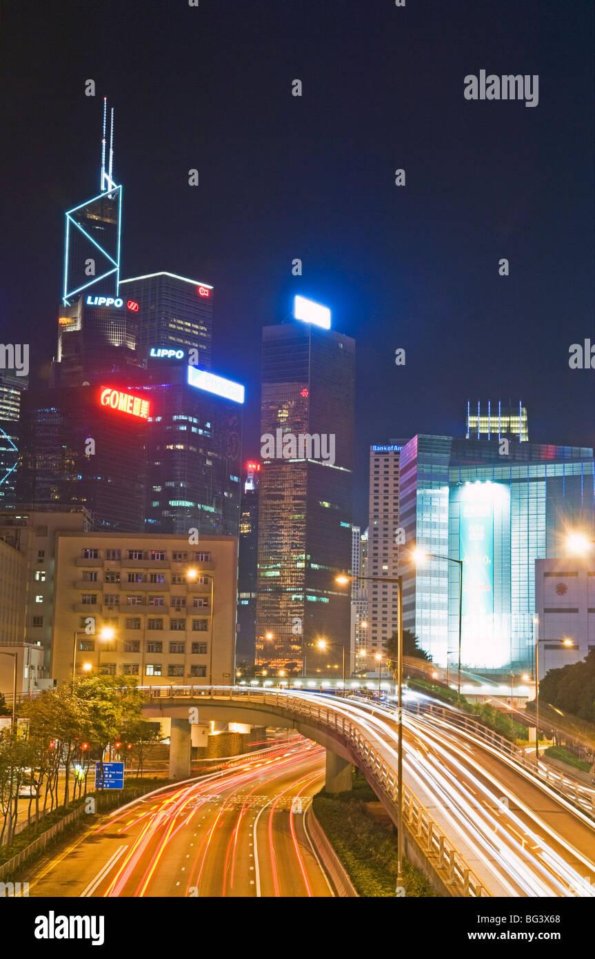 La autopista que corre a lo largo del puerto de Hong Kong Foto de stock