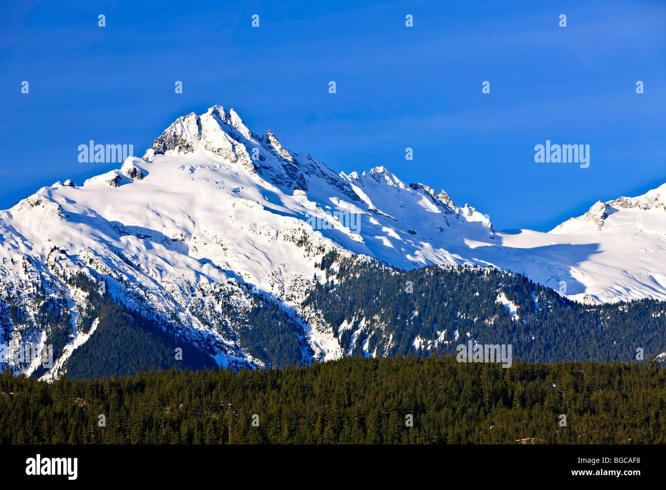 Monte Tantalus (2603 metros/8540 pies), Tantalus Cordillera de la costa, montañas, British Columbia, Canadá. Imagen De Stock