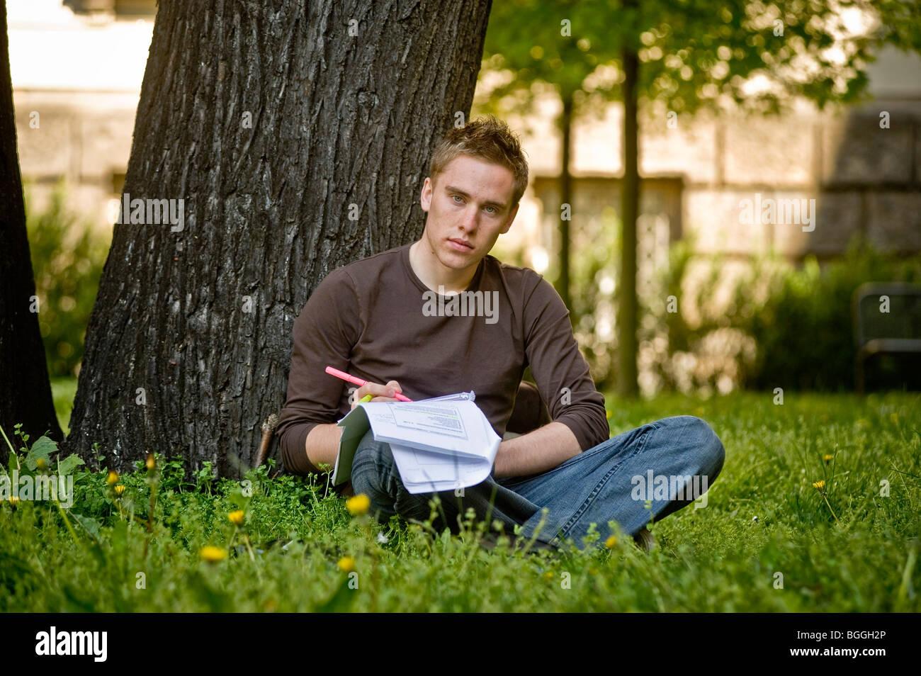 Estudiante de la Universidad Europea Viadrina, Frankfurt/Oder, Brandenburgo, Alemania, Europa Imagen De Stock